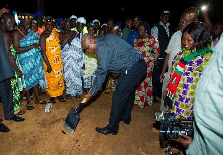 President Mahama cuts sod for New Edubiase sports stadium