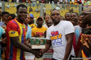Inusah  Musah gets Mobile Phone from Talk Hearts of Oak S/C 1911 Group as most outstanding player