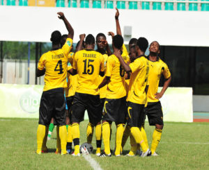Ashgold trash Hearts of Oak 3:1, Dwarfs hold All Stars