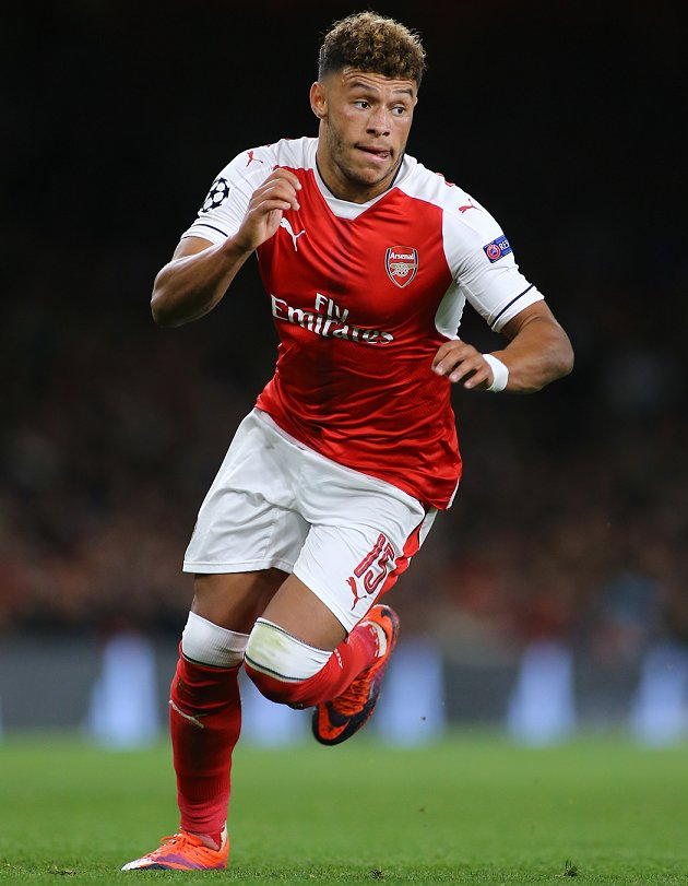 Arsenal ace Alex Oxlade-Chamberlain winks at Liverpool