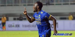 VIDEO: Watch Michael Essien's second goal of the Indonesian league
