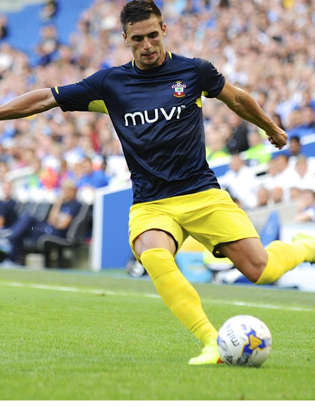 ​Liverpool target Tadic opens the door for Southampton exit