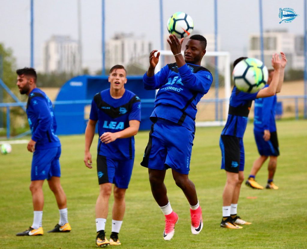 Mubarak Wakaso vows to improve discipline after Deportivo Alaves switch
