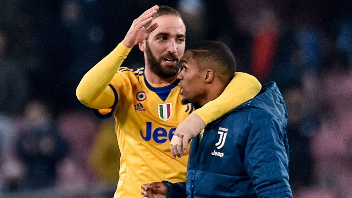 Gonzalo Higuain and Douglas Costa rate 8/10 as Juventus beat Napoli