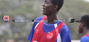 Maxwell Ansah sign contract extension with Inter Allies