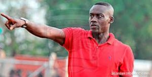 Kotoko coach Michael Osei reacts angrily to Bechem United coach Zachariah's comment