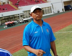 Kwesi Appiah should work more with local players- Coach Abdul Razak