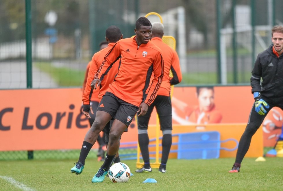 Wakaso in action again after more than 600 days off the field