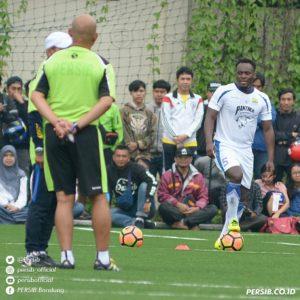 Michael Essien meets fans of Indonesian side Persib Bandung