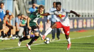 Ghanaian youngster Gideon Mensah sees red in Liefering's draw