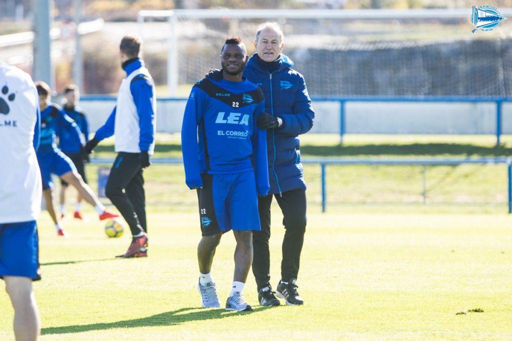 Deportivo Alaves happy to have Mubarak Wakaso back from International duty