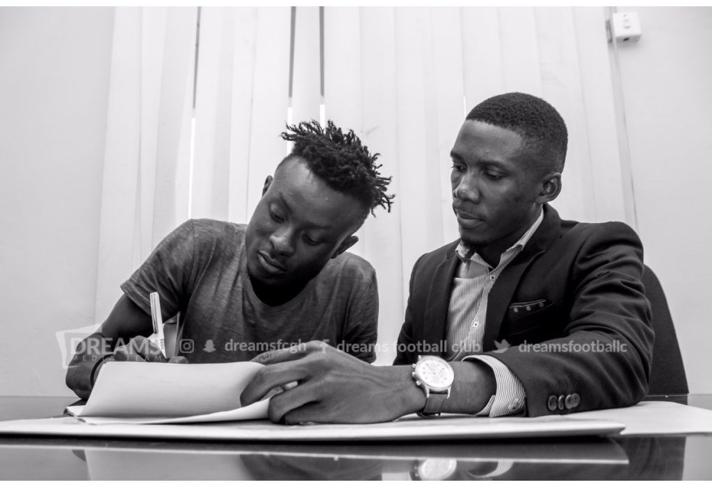 Dreams FC complete the signing of Bashiru Alhassan