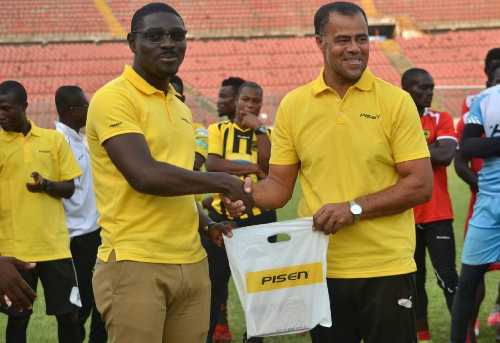 Pisen Ghana gives Asante Kotoko players and officials customized accessories