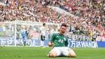 Hirving 'Chucky' Lozano to settle future after World Cup amid Barcelona links - father