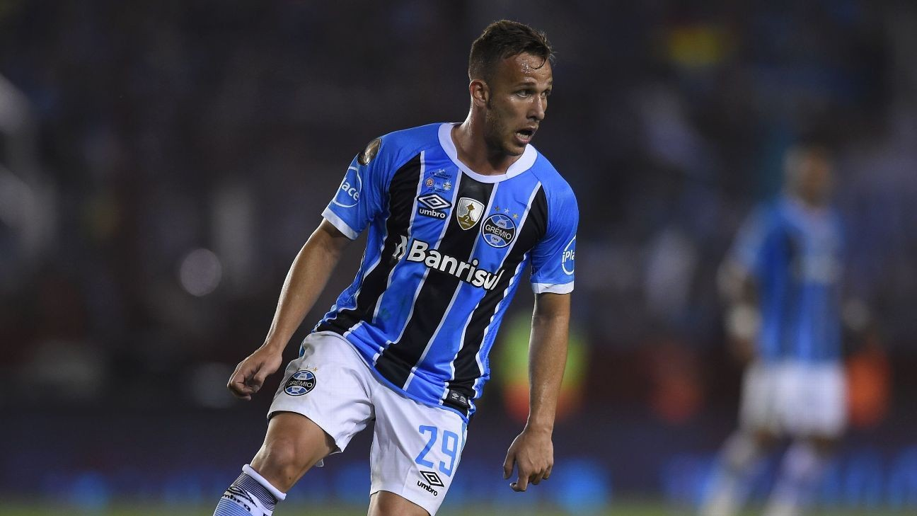 Barcelona set to sign Arthur from Gremio