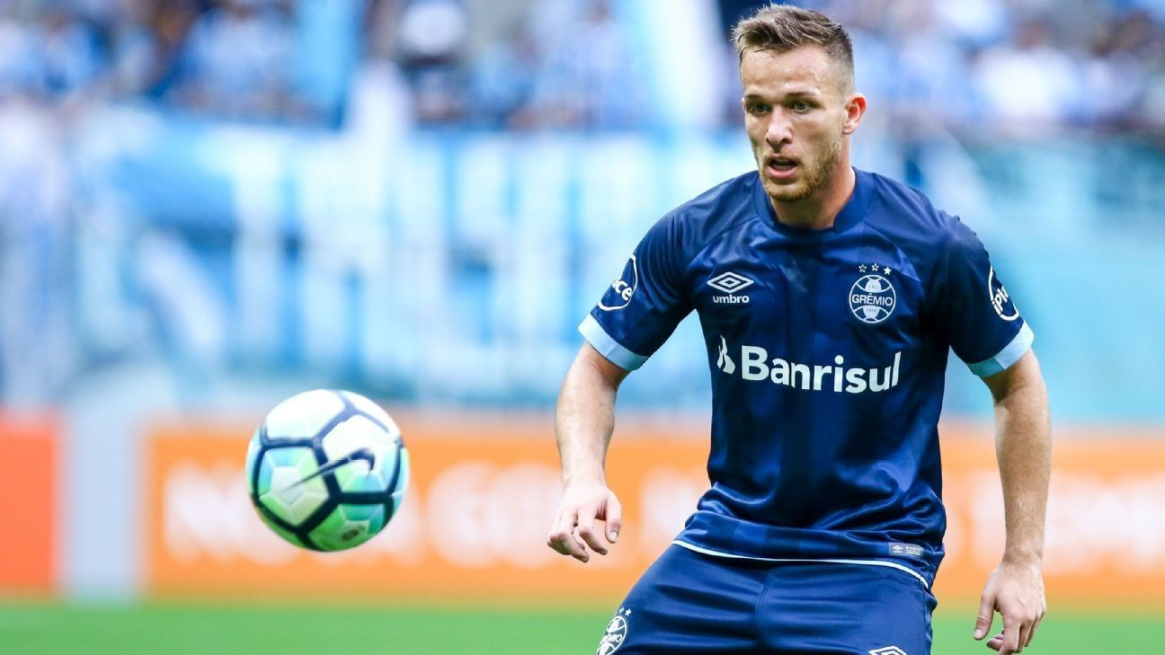 Barcelona complete signing of midfielder Arthur from Gremio