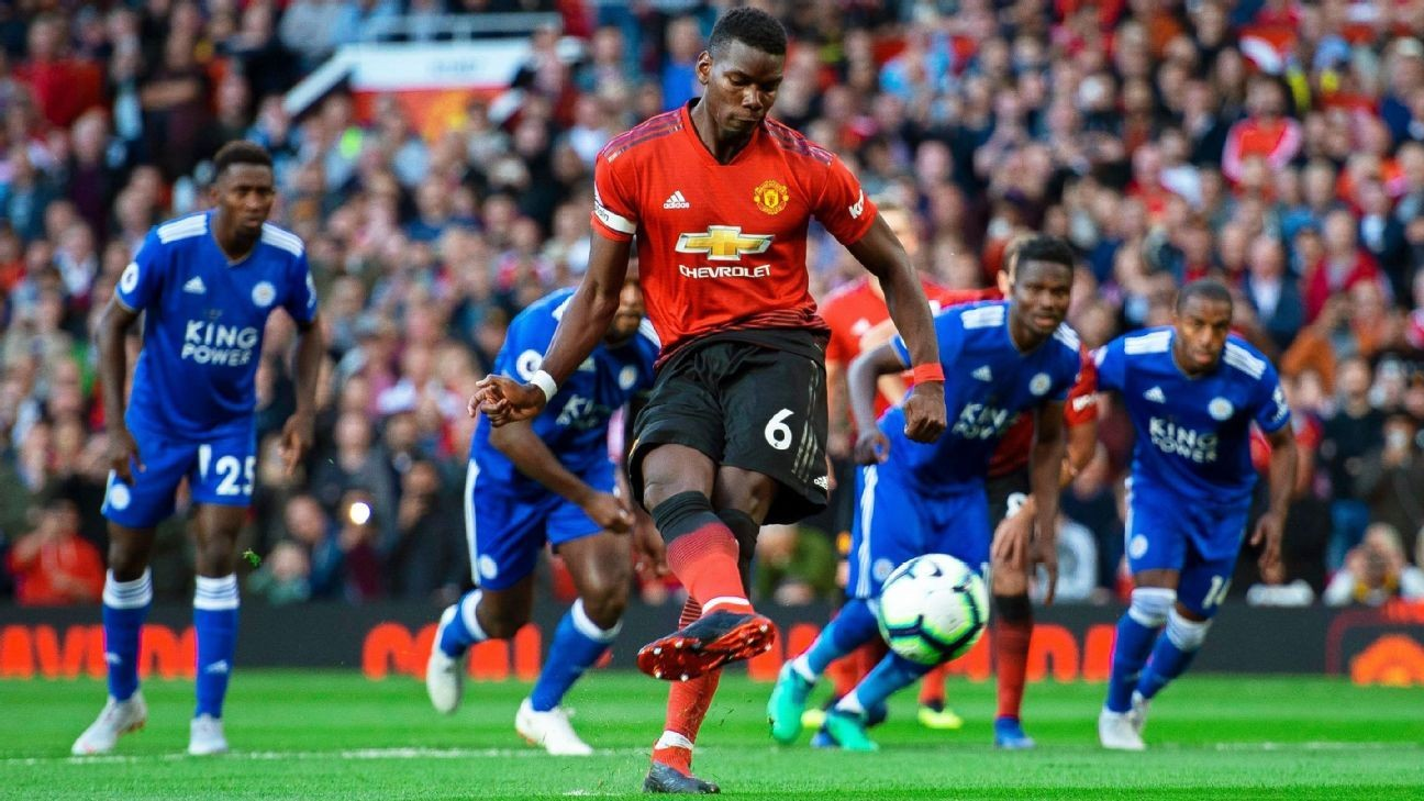 Manchester United open Premier League season with win against Leicester