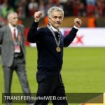 MANCHESTER UTD - Mourinho explains how Luke Shaw earned his new contract