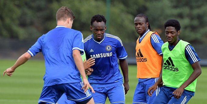 Michael Essien call on Victor Moses to leave Chelsea