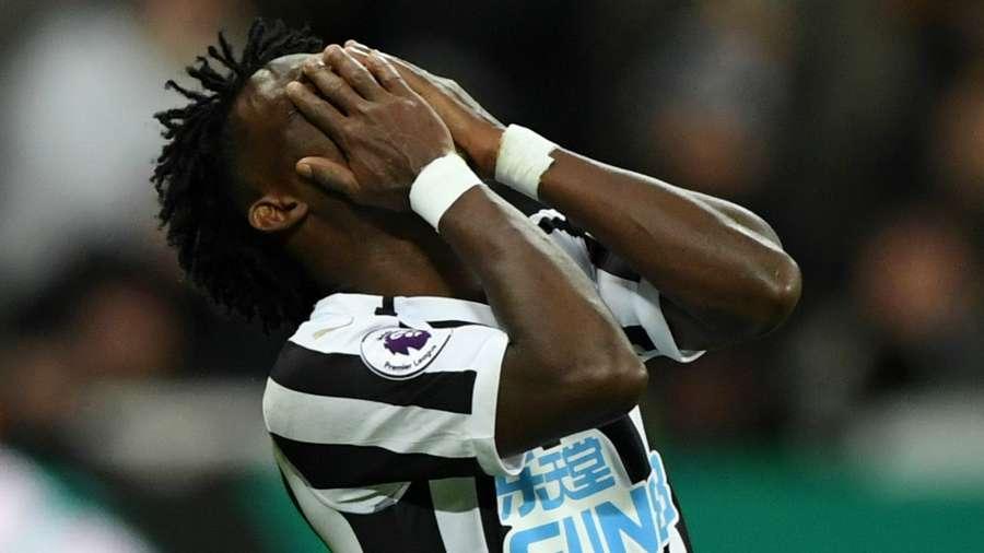 Newcastle Fans react to Christian Atsu shaking performance