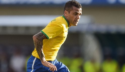 Alves urges PSG to step up