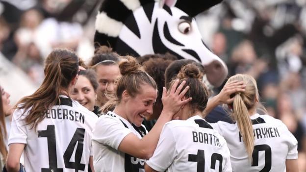 Juventus Women 1 0 Fiorentina Record Crowd Of 39 000 Watch Game At