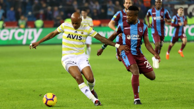 Fenerbahce fans chant André Ayew's name in Süper Lig against Trabzonspor