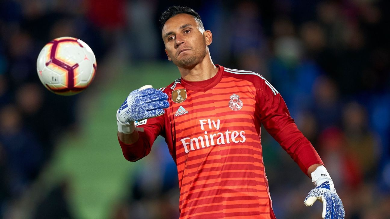 Real Madrid tell Navas that Courtois will be Zidane's No. 1 - sources