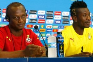 2019 Africa Cup of Nations: Coach Kwesi Appiah and Asamoah Gyan smoke peace pipe after captaincy fracas