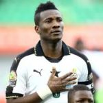 2019 Africa Cup of Nations: Asamoah Gyan mobbed by huge supporters during Black Stars pre-AFCON friendly with South Africa [VIDEO]