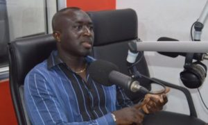 Augustine Arhinful bemoans Kwesi Appiah's laid back demeanor on touchline; calls on him to be more assertive