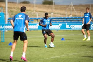 Mubarak Wakaso resumes training ahead of Alaves season opener against Levante