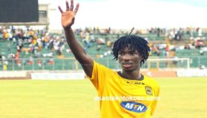Asante Kotoko striker Songné Yacouba touches down in Kumasi to discuss his future