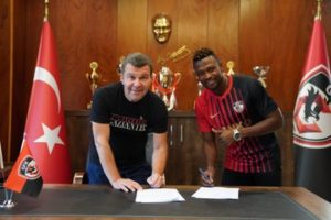 VIDEO: Gazişehir Gaziantep F.K announce signing Patrick Twumasi