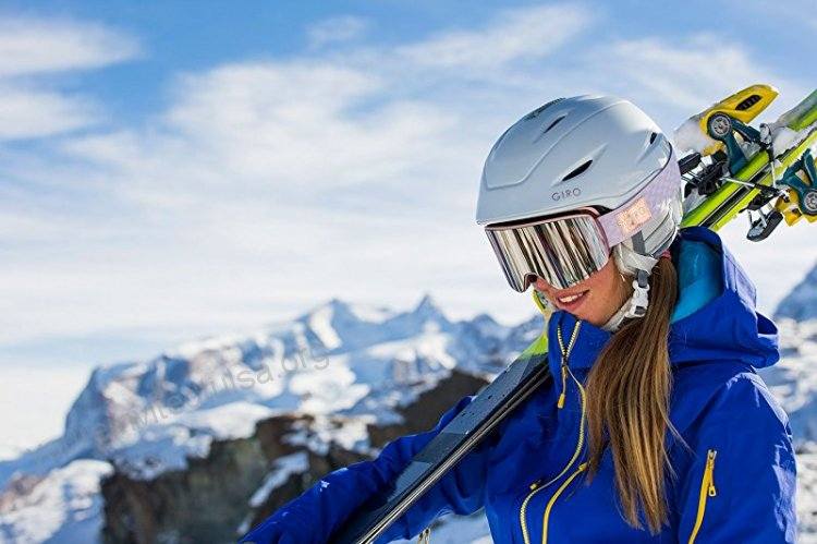 Clothes That Female Skiers Need.