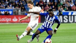 Wakaso features for Alaves in their 2-1 defeat to Real Madrid