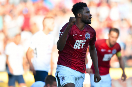 Benjamin Tetteh climbs of the bench to score for Sparta Prague in 3-3 draw against Ceske Budejovice