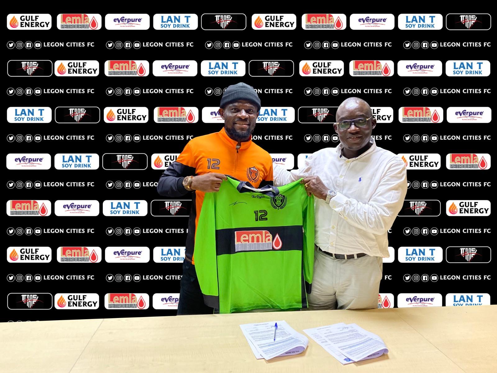 PICTURES: Legon Cities FC wrap up signing of Fatau Dauda
