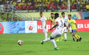 VIDEO: Asamoah Gyan converts a penalty to salvage a point for NorthEast United against Kerala Blasters