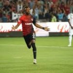 Gaziantep FK striker Patrick Twumasi forced off vs Kayserispor in Turkish Super Lig