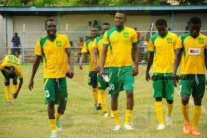 PHOTOS: Ebusua Dwarfs get new training kits from sponsor