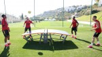 Manchester United's Bruno Fernandes rules Teqball table at club's training camp
