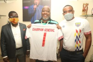 Kwame Sefa Kayi receives Hearts of Oak replica jersey as gift from club