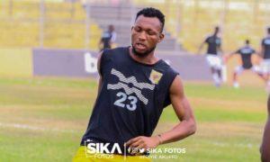 Latif Anabila hoping Otumfuo eases transfer ban on Kotoko to allow his move
