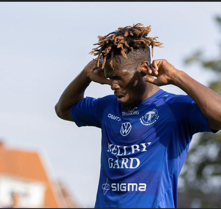 Kwame Bonsu congratulates Abdul Fatawu Safiu on his maiden hat-trick in Trelleborgs FF colours