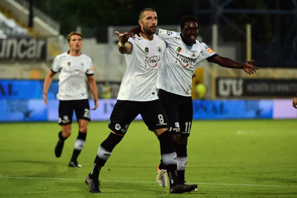Forward Emmanuel Gyasi on target for Spezia in massive win against Cosenza