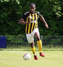 Jeffrey Ofori extends contract with Brönshöj BK