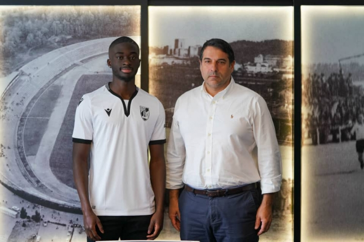 High-flying Abdul Mumin completes Vitória Guimarães move