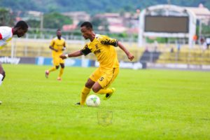 Richard Osei Agyemang excited to extend stay at Ashanti Gold SC