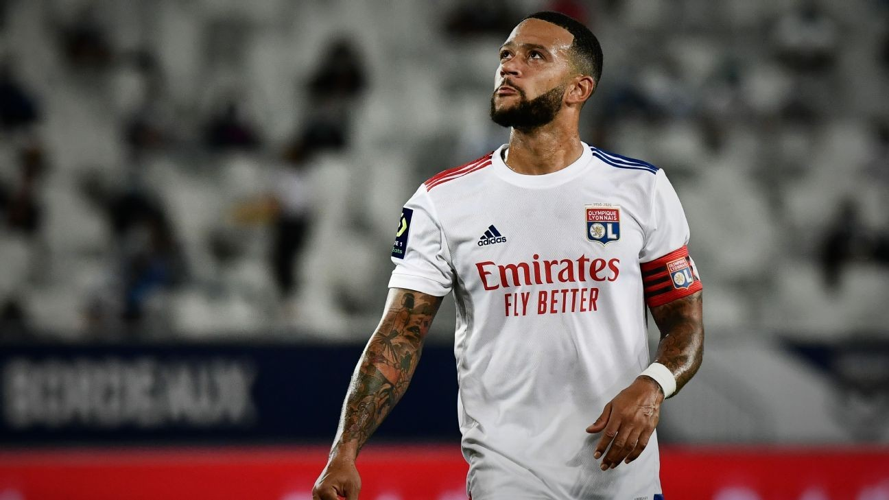 Koeman: No Barca deal for Depay, new players